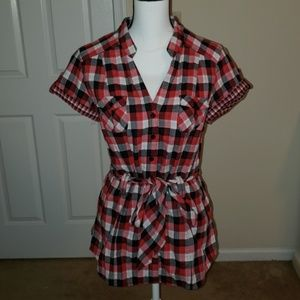 Guess button down short sleeve top